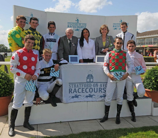 str290-7664-gentleman-jockeys-and-sponsors-aug-20th-09.jpg